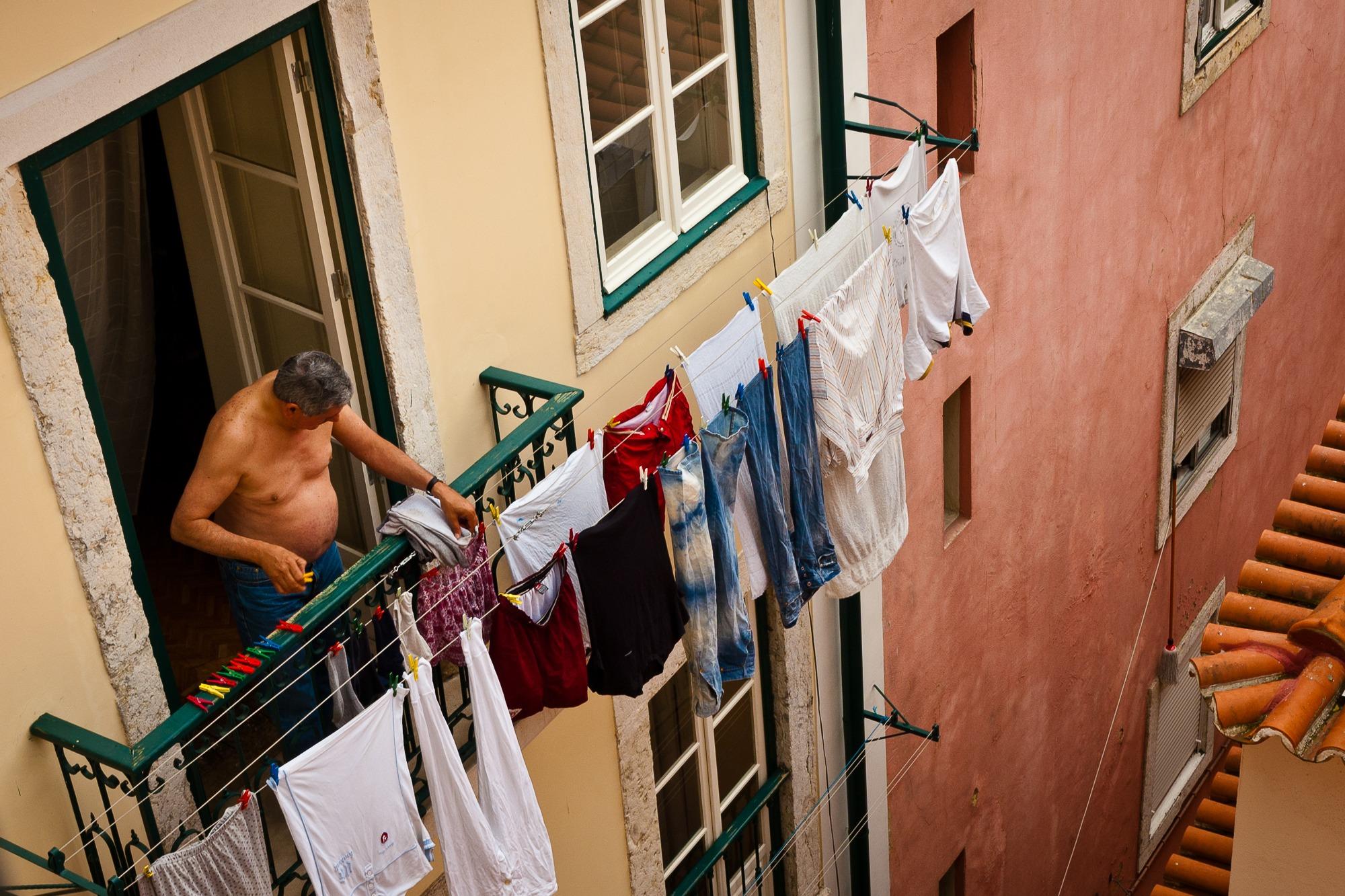 lisabon portugal balcony